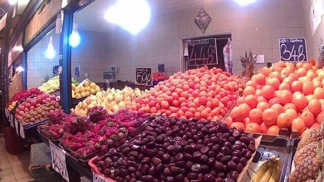 【ハンガリー】ブダペスト中央市場で絶対買うべきもの!他の市場より安い!