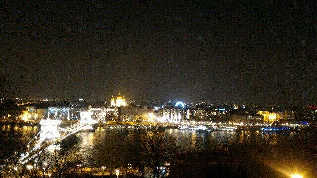 【ハンガリー】ブダペストの最高の夜景が、無料で見えるベストスポット!